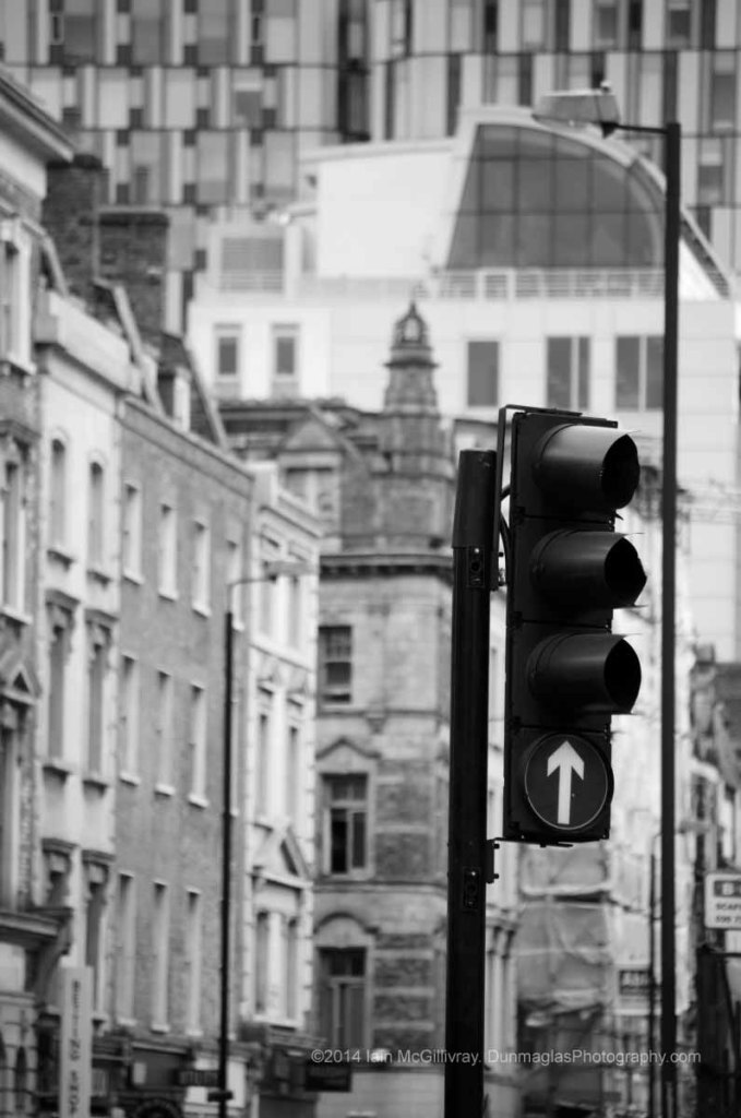 Traffic lights at King's Cross in London, England - black and white monochrome urban and street scenes project collections from Dunmaglas Photography